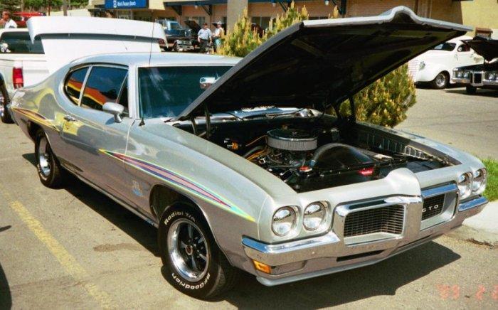 70 car show